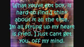 Ke$ha - Your love is my drug w/lyrics on screen