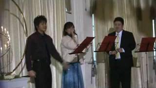 友人の結婚式の余興で歌っちゃいました!二人とも、とても幸せそうだっ...
