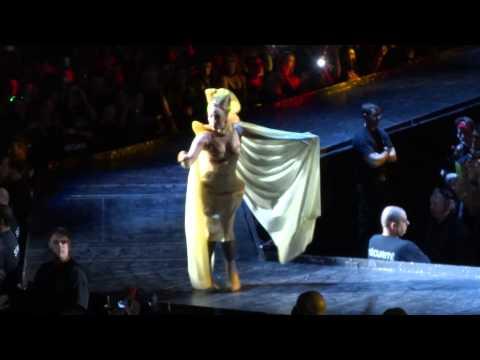 Lady Gaga Black Jesus † Amen Fashion Live Montreal 2013 HD 1080P