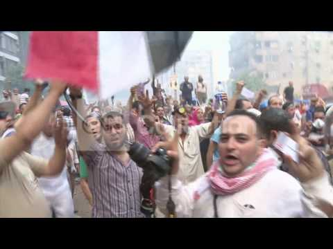 EGYPT:CAIRO CLASHES - COMPILATION VIDEO (STRONG)