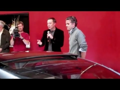 Elon Musk introduces the Model S to the public 2009