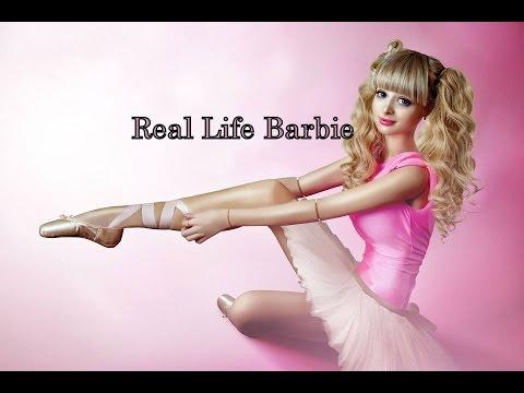 Girl looks like barbie naked