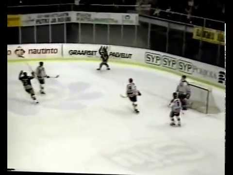 Wayne Thompson from Kalpa, great goal out of mid-air