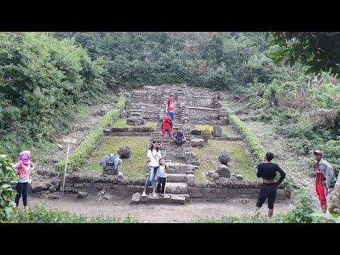 Situs Candi Kerajaan Di Gunung Penanggungan Majapahit.
