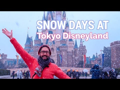 snow-at-tokyo-disneyland- -what-to-expect- -japan-travel-tips