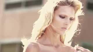 Elie Saab Le parfum(, 2013-05-12T10:29:45.000Z)
