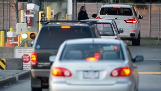 Border workers vote to strike, jeopardizing Canada's reopening plans