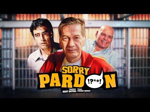 Pardon Filmi (2004): Kanala Abone Olmak İçin Tıklayın; https://goo.gl/EfHF73  Ağırlıklı olarak tarihi Sinop Cezaevi'nde çekilen filmde yanlışlıkla hapse giren ve yıllar sonra serbest bırakılan üç mahkûmun öyküsü konu ediliyor.  İbrahim (Ferhan Şensoy), Muzo (Rasim Öztekin) ve Aydın (Ali Çatalbaş) kendi basit dünyalarında yaşayan üç arkadaştır. Fakat İbrahim'in askere çok geç gitmesinden dolayı resmi üniforma görünce korkuya kapılıp kaçma huyu, onların hayatını dönüşü olmayan biçimde değiştirir. Ziyaret için gittiği arkadaşı Muzo'nun evinde İbrahim'i gözaltına alan polis, yasadışı bir örgütle ilgili ipucu ele geçirdiğini sanır. Sorgulamayı yapan polisin (Bülent Kayabaş), onlara isnat edilen suçlara uygun olarak üçüncü bir isim daha verdikleri taktirde hemen tamamlanacak dosyayla çıkarılacakları mahkemede suçlamaları reddederek serbest kalabileceklerini söylemesi üzerine, İbrahim?in rastgele bir arkadaşını daha olaya dahil etmesiyle felaketler zinciri başlar. İbrahim, Muzo ve Aydın, derhal tutuklanarak Sinop Cezaevi'ne gönderilir. Aylar süren mahkemelerden, hiç de üç arkadaşın umduğu gibi bir sonuç çıkmaz. Dışarıdan alınan haberler de pek iç açıcı değildir. İbrahim'in yaşadığı mahallede tanıyıp tutkuyla sevdiği Asuman başka biriyle evlenmek üzeredir...   SinanÇetin WebTv Kanalına Abone Olmak için Tıklayın; https://goo.gl/OzNaMw  Sosyal hesaplarımızdan bizi takip etmeyi unutmayın! https://twitter.com/filmplato https://www.facebook.com/platofilmproduction https://plus.google.com/116557752595264336422/posts