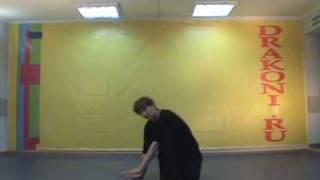 Обучающее видео break dance(брейк-данс): baby freez(Школа танцев «Драконы» (www.DRAKONI.ru): профессиональное обучение верхнему и нижнему break dance, hip-hop., 2008-09-18T09:32:38.000Z)