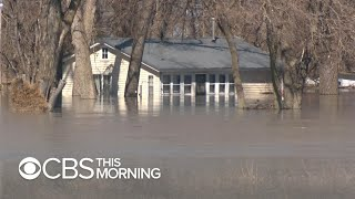 """Communities submerged by Midwest flooding: """"I was petrified"""""""