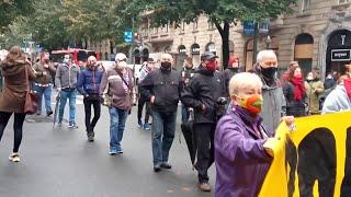 Colectivos sociales se manifiestan en Bilbao para reclamar que se erradique la pobreza