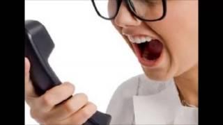 Une huissiere pète un câble au téléphone