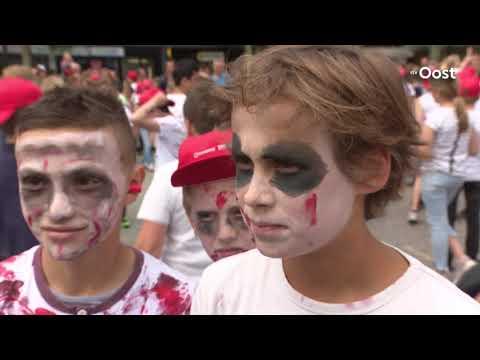 Thrill the World trekt ruim 1100 dansende zombies naar Hengelo