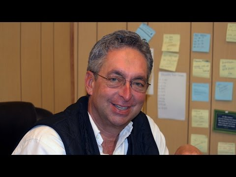 Gary Contessa, Trainer .- Buying horses at the sales
