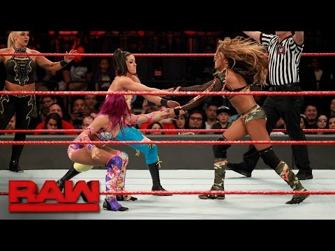 Eight-Woman Tag Team Match: Raw, May 1, 2017 thumbnail