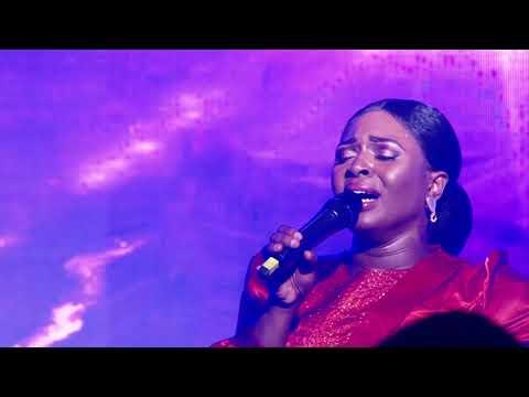 Dena Mwana - L'Eternel Est Bon (Célébration Live)