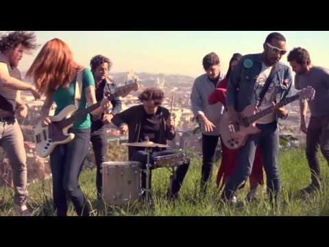 La Sera - Devils Hearts Grow Gold [OFFICIAL VIDEO]