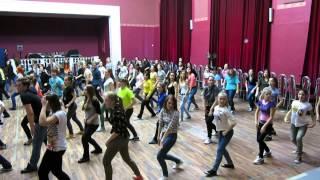 Первая репетиция флэшмоба I AM WOMAN . Видео 11(Танцы для всех! tangorod.ru vk.com/tangorod Присоединяйтесь! #flashmob #флешмоб #флэшмоб #dance #danceflashmob., 2014-02-09T16:41:43.000Z)