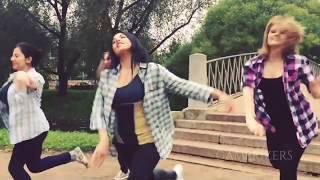 Jimikki Kammal Song - Russian Girls Dance