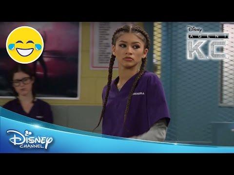 Infiltration dans le Groupe | L'Agent K.C. | Disney Channel BE