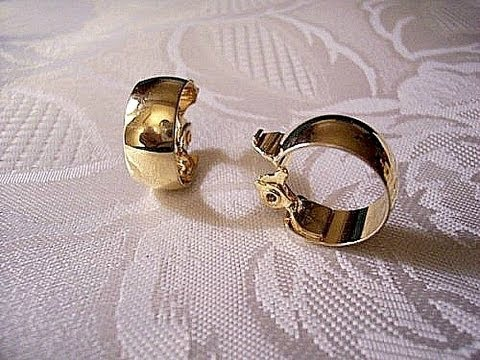 Monet Wedding Band Hoop Clip On Vintage Gold Tone Earrings