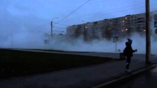 Прорыв кипятка угол ул. Турку и ул. Пражская. 27.10.2014(, 2014-10-27T14:52:43.000Z)
