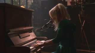 """Maja Francis - """"Last Days of Dancing"""" Live hos Niklas Källner"""
