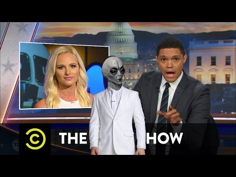 The daily show Trevor Noah vs The Blazz tommy lahren on colin kaepernick,#Blacklivesmatter