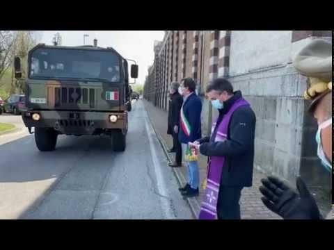 Arrivo dei mezzi militari a Padova con le salme provenienti da Bergamo - Antonio De Poli
