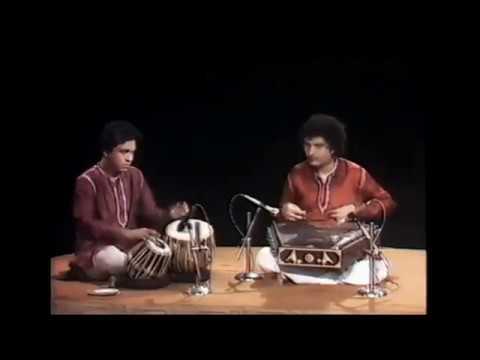 Shiv Kumar Sharma - Live - Raga Rageshri Full(Santoor)