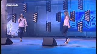 Twin Melody: Adele abeslariaren
