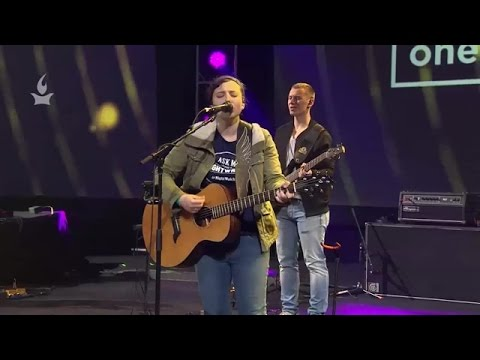 Thumbnail: Juliana Thompson // Only One Way // Onething 2016, Session 9 Special Song