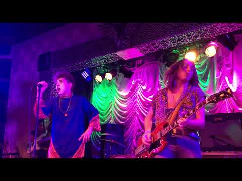Greta Van Fleet - Edge of Darkness live 2017