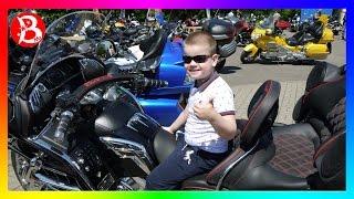 СУПЕР приколы на крутых байках! МОТО-ПРИКОЛЫ 2016 Moto FUN! MisterBoy на МотоШоу!