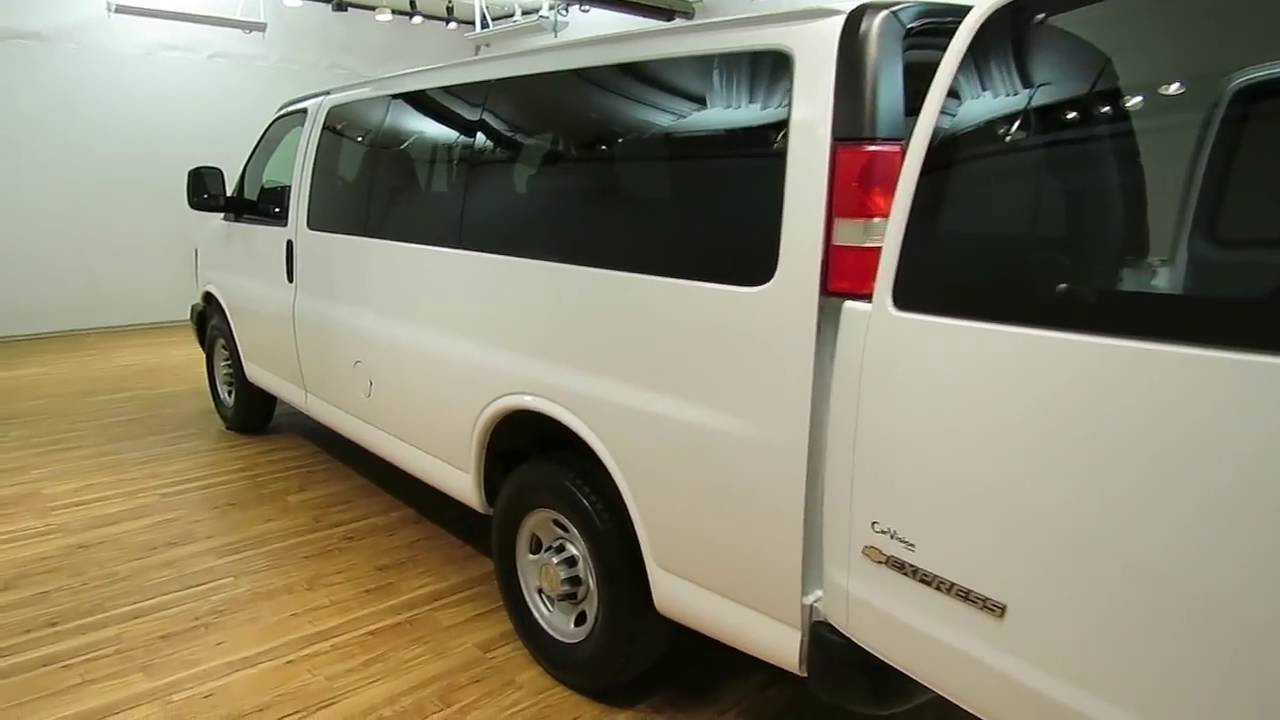 2009 Chevrolet 2500 Express 8 Penger Van