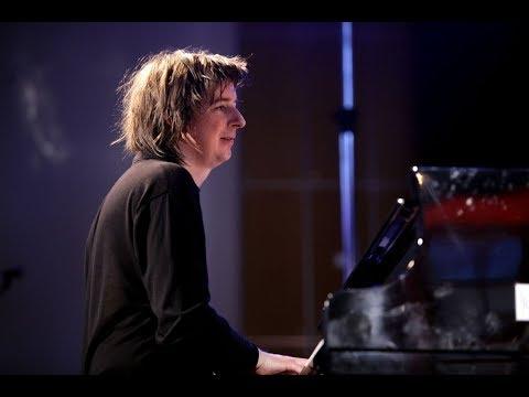 """Jazzfest Bonn 2016: Universität, Michael Wollny Trio, Nachtfahrten, """"questions in a world of blue"""""""
