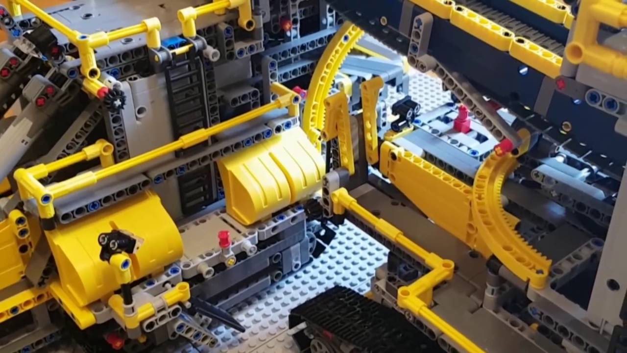 Lego 42055 A B Model Bucket Wheel Excavator And Mobile Aggregate Processing Plant Youtube