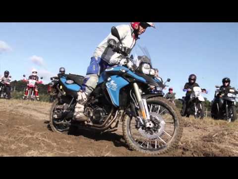 Dakar Podium Finisher Jimmy Lewis giving an off-road class