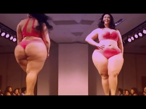 Large Women Walking In Swimsuit - Plus Size Clothing For Curvy Women - Fashion Show. http://bit.ly/2Xc4EMY