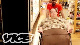 痛恨!ビッグマミー - 600 Pound Mom Gets Paid to Eat