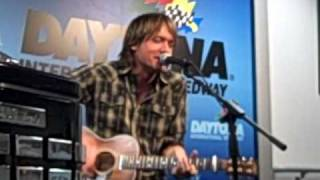 Keith Urban Sweet Thing at DIS