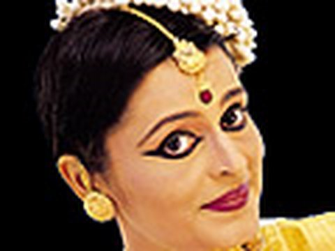 Mohiniyattam- Classical Dance of Kerala