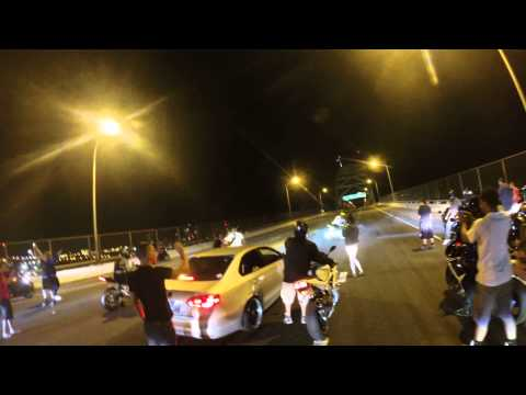 Street racers takeover 405 bridge
