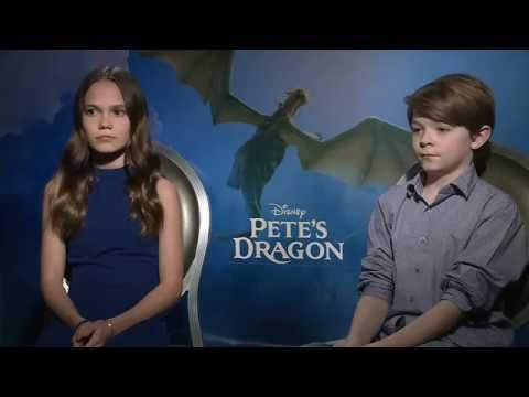 Pete's Dragon   Oakes Fegley & Oona Laurence