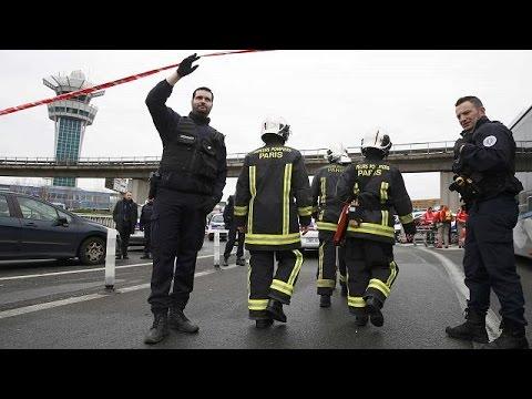 Francia: ucciso attentatore aeroporto di Parigi. Era un francese