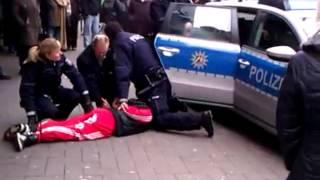 Schläger heult bei seiner Verhaftung thumbnail