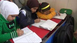 أخبار عربية | البيروقراطية تمنع أكثر من ربع مليون طفل من التعليم في لبنان