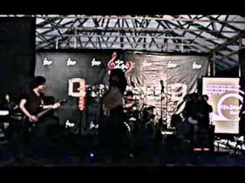 Musik Embun IMT (Live Performance at Gedebak-Gedebuk UKM band IT Telkom)