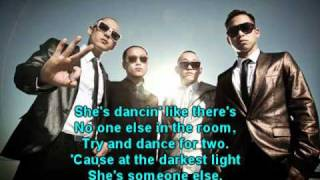 Far East Movement - She Owns the Night (LYRICS)