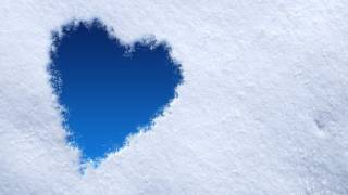 Snow Heart in Photoshop for Valentine's Day (Photoshop CS5+) |